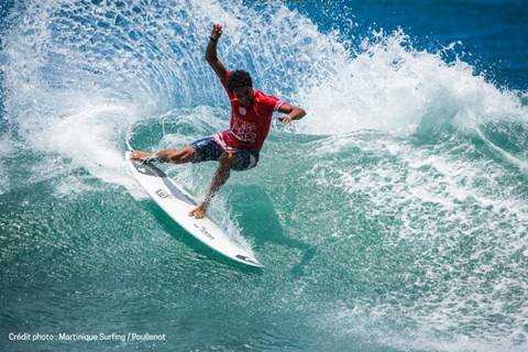 MARTINIQUE SURF PRO Surfer riding the waves
